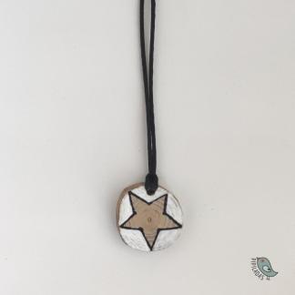 colgante madera hecho a mano estrella