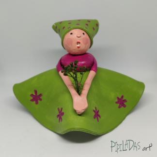 muñeca pasta papel pipiladas