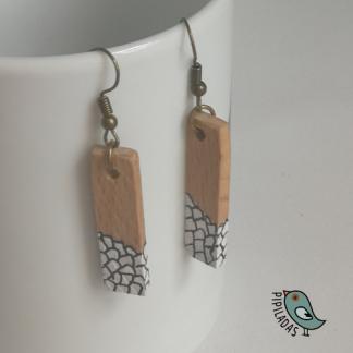 pendientes de madera artesanales pipiladas